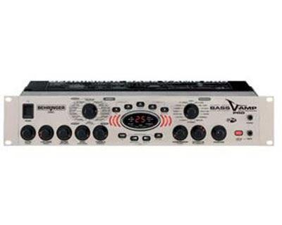 Imagen de Procesador de modelado/efectos para bajo LX1B PRO-EU Bass V-Amp 19'
